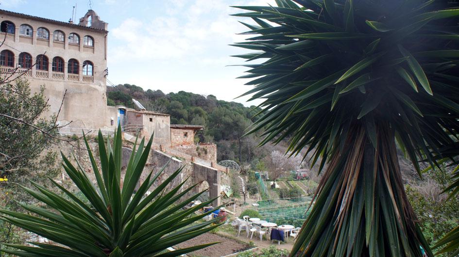 desde la terraza del huerto pedagogical, se ve las otras - depuis le jardin pédagogique, on voit les autres