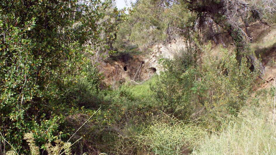 en el camino... grotas habitadas hace algunaos años - sur le chemin...des grottes habitées il y a quelques années